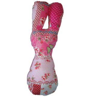 Handgemaakte rammelaar roze in de vorm van een konijn