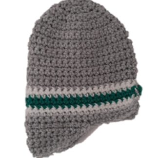 Muts in de vorm van een cap in het grijs met wit/groene streep