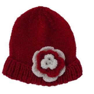 rode muts met witte en rode bloemetjes